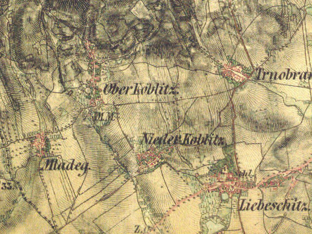 """Obr. 02. Mapa, naproti tomu, zobrazuje krajinu objektivně, """"sezhora"""", asi tak, jako by koukal Bůh na svou hráčskou desku... Tento pohled není pro lidi přirozený."""
