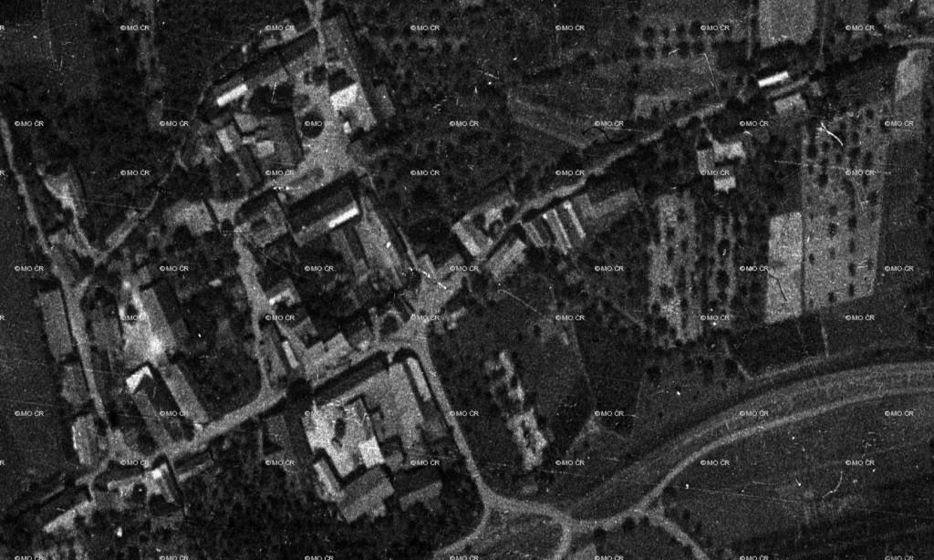 Fotogrametrický snímek Dolních Chobolic z r. 1938 - výřez.